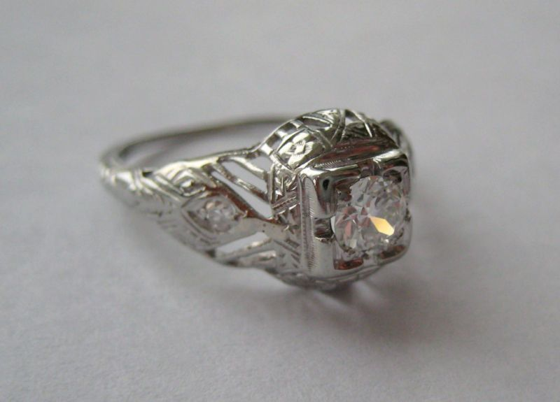 ANTIQUE ESTATE 18K WHITE GOLD DIAMOND RING VICTORIAN